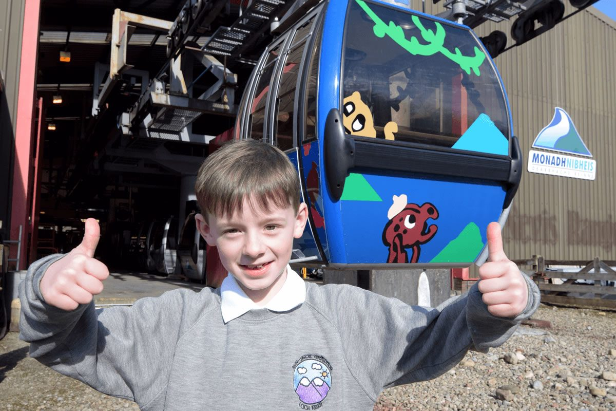 8 Year old Ruaraidh Stephen Designs Winning Haggis Gondola